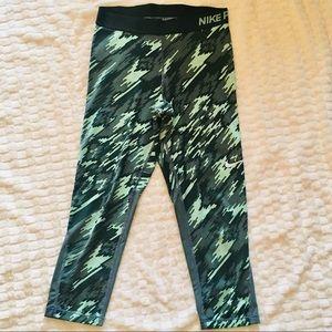 Nike Pro Dri-Fit Green Capri Leggings M